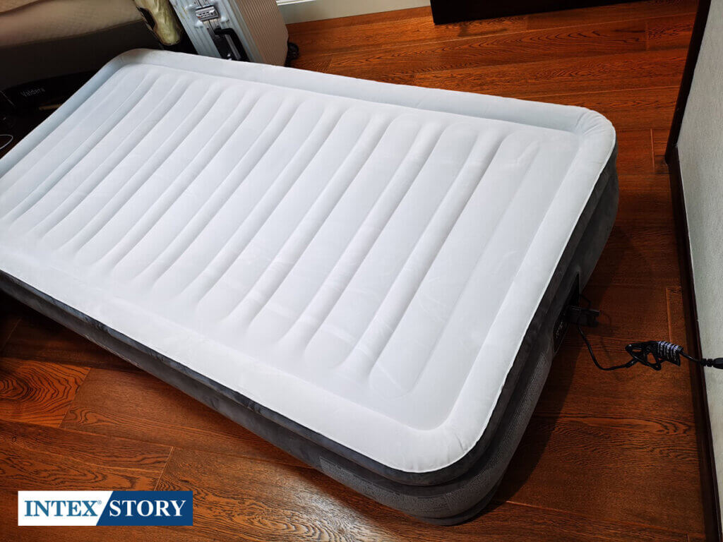 ที่นอนเป่าลมไฟฟ้า Intex 3.5 ฟุต รุ่น Comfort Plush 67766 - 6