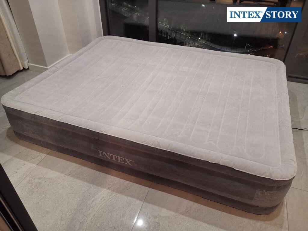 ที่นอนเป่าลมไฟฟ้า Intex 5 ฟุต รุ่น Comfort Plush 67770 - 4