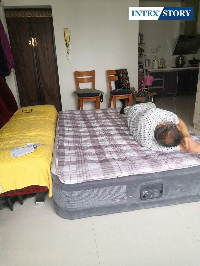 ที่นอนเป่าลมไฟฟ้า Intex 5 ฟุต รุ่น Comfort Plush 67770 - 7