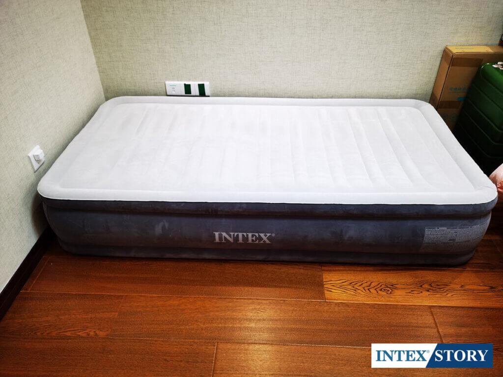 ที่นอนเป่าลมไฟฟ้า Intex 3.5 ฟุต รุ่น Comfort Plush 67766 - 10