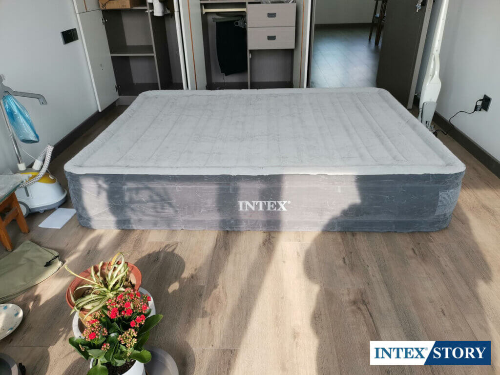 ที่นอนเป่าลม INTEX ระบบไฟฟ้า 4.5 ฟุต รุ่น 67768 - 4