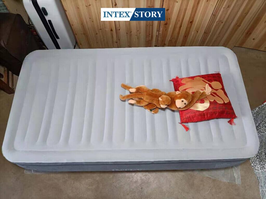 ที่นอนเป่าลมไฟฟ้า Intex 3.5 ฟุต รุ่น Comfort Plush 67766 - 9