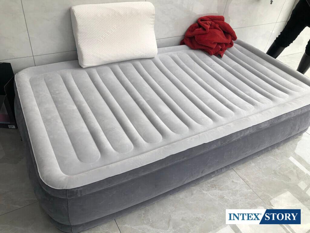 ที่นอนเป่าลมไฟฟ้า Intex 3.5 ฟุต รุ่น Comfort Plush 67766 - 7